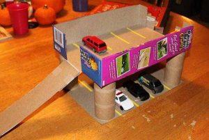 kartondan-oyuncak-otopark