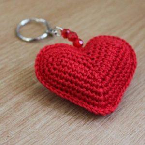 Kırmızı Örgü Kalpli Anahtarlık