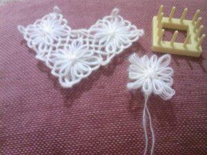 kare-motif-makinesi-ile-çiçek-yapımı