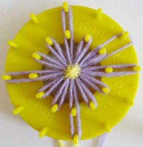 motif-makinesi-ile-yuvarlak-çiçek-yapımı