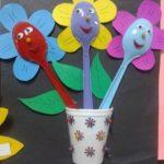 Plastik Kaşıktan Çiçek Yapımı