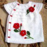 Tunus İşi Güllü Kız Bebek Yeleği