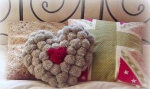 Ponpondan Harf Kalp Yastık Yapımı