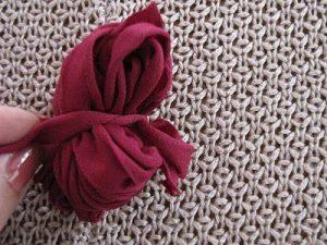 Kumaştan Ponpon Yapımı Resimli Anlatım-4