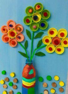 Plastik Kapaklardan Çiçekli Dekor Yapımı
