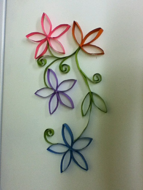 Tuvalet Kağıdı Rulosundan Çiçekli Pano Yapımı