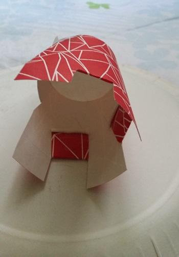 Kağıt Bardaktan Oyuncak Tabure Yapımı-3