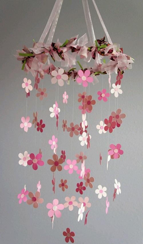 Fon Kartonundan Çiçekli Sarkaç Süs Yapımı