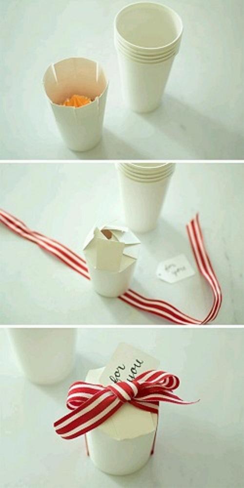 Kağıt Bardaktan Nasıl Hediye Paketi Yapılır