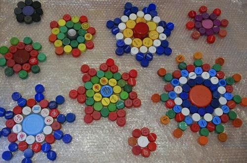 Plastik Kapaklardan Dekoratif Süs Yapımı