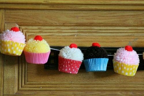 Ponpondan Cupcake Süs Yapımı