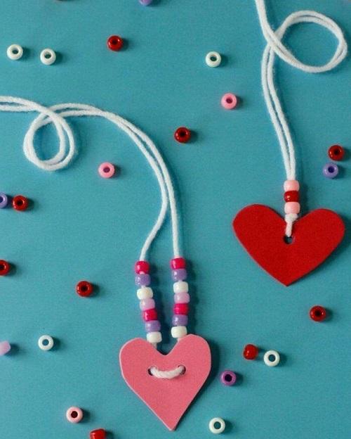 Eva ve Boncuklarla Kalpli Kolye Yapımı