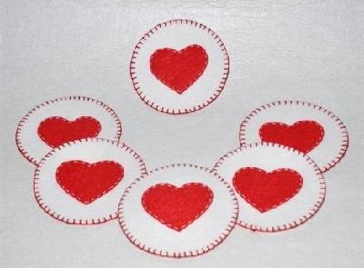 Keçeden Kalp Figürlü Bardak Altlığı Yapımı-2