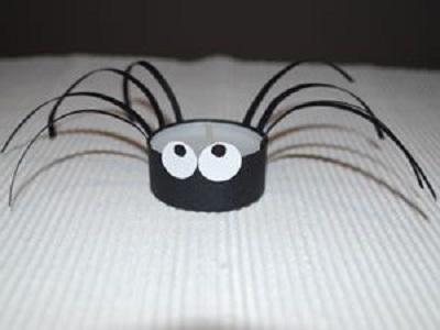 Tuvalet Kağıdı Rulosundan Örümcek-1