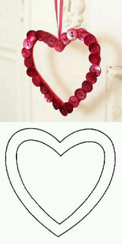Düğmeden Kalpli Dekoratif Süs Resimli Anlatım