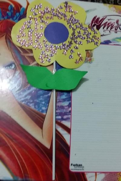 Fon Kartonundan Çiçek