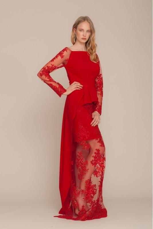 Kırmızı Dantelli Elbiseler