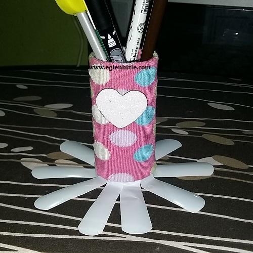 Çorap ve Tuvalet Kağıdı Rulosu ile Kalemlik Yapımı-1