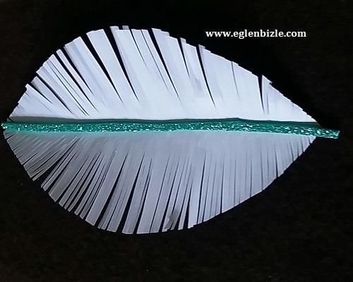 Kağıt ile Dekoratif Yaprak Nasıl Yapılır