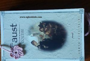 Çiçekli Örgü Kitap Ayracı