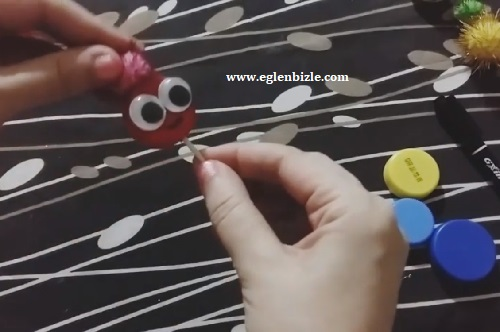 Pet Şişe Kapağı ile Kukla Yapımı-3