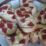 Sucuklu Kaşarlı Ekmek Dilimi Yapımı