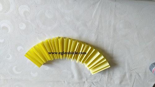Kağıttan Kolay Yuvarlak Süs Yapımı-2
