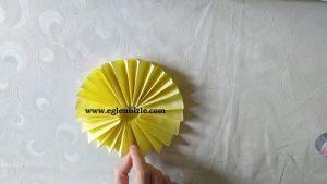 Kağıttan Kolay Yuvarlak Süs Yapımı-4
