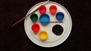 Plastik Kapaklarla Resim Paleti Yapımı-1