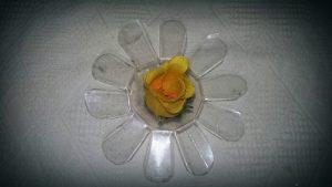 Pet Şişeden Çiçekli Dekoratif Süs