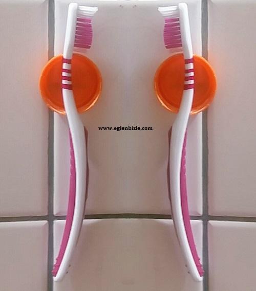 Plastik Kapaktan Diş Fırçası Tutacağı