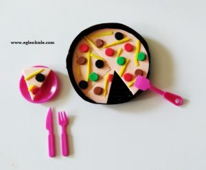 Barbie Bebek için Pizza