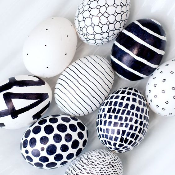 Siyah Beyaz Yumurta Boyama Eglen Bizle