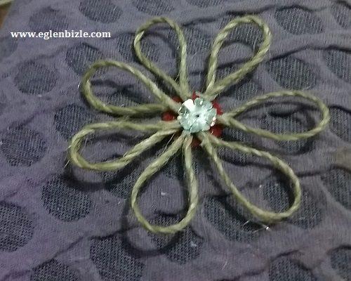 Jüt İp ile Çiçek Yapımı