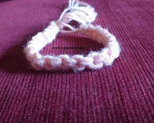 Kolay Düğüm Tekniği ile Bileklik Yapımı